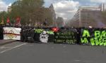 Les Black Blocs c'est quoi? Des cagoules, des manteaux noirs et des outils⛏🔨🔧🔪