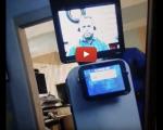 Un médecin apprend à un patient qu'il va mourir via un écran tenu par un robot. Il est décédé le lendemain.